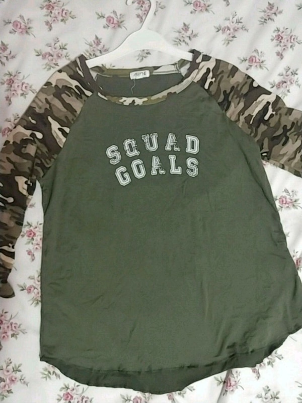 Green army tshirt