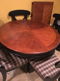 Dining room table with 6 chairs and leaf extension Haledon, 07508
