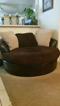 Oversized round chair Englewood, 80113