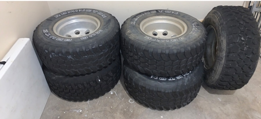 Photo Remington 15 inch rims and tires