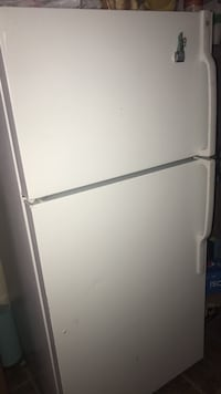 white top-mount refrigerator Sterling, 20164