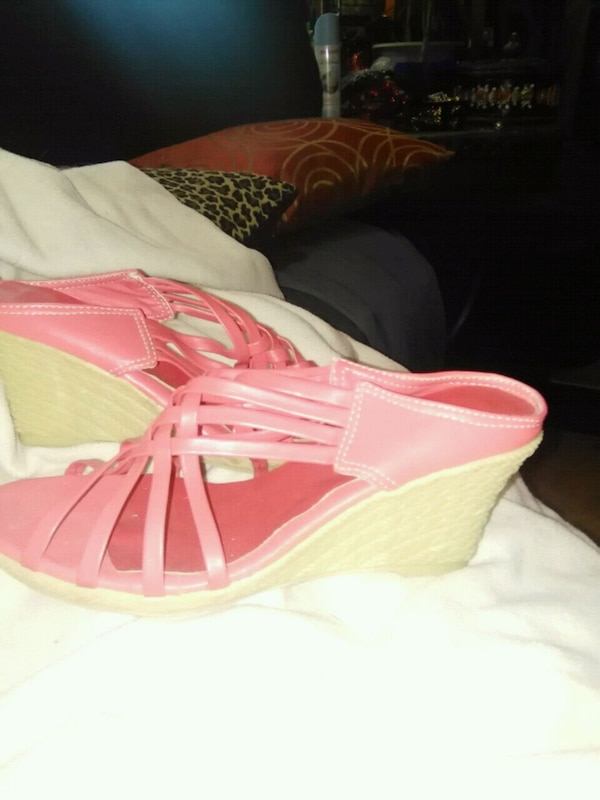 3c431c14a1d1 Used Tangerine pink wedges for sale in Clinton - letgo