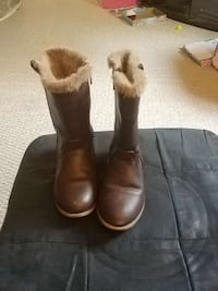 Size 8 Toddler boots Sarnia, N7T 4A9