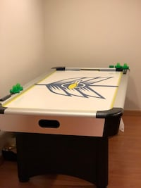 Air Hockey Table - Like New Alexandria, 22315