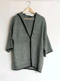 B&W Cardigan Top with hood Berlin, 10787