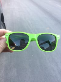 New View Sunglasses Milton, L9E