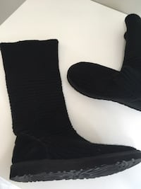 Ugg boots women's size 8 boots excellent pre owned condition!  Newmarket, L3X 1W9