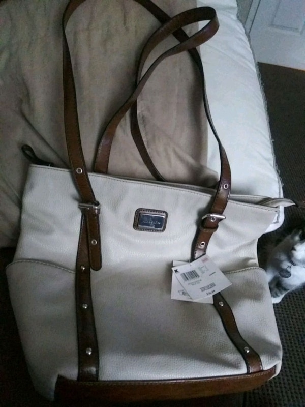 Band new Jaclyn Smith Hand bag