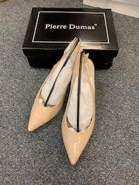 PIERRE DUMAS. Available in size 10, brand new pick up before 6/20 Corona, 92880