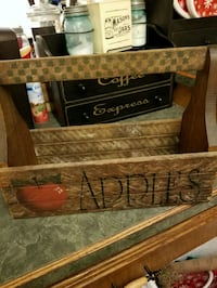 Apple crate Hagerstown, 21740