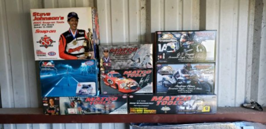 Die cast cars from tool guys (snapon mac) 4404d7d1-10e8-43ed-9434-b6183fe40758
