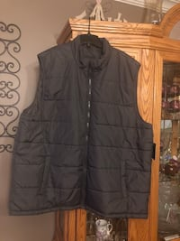 MENS PUFFY VEST AIZE 2XL North Dumfries, N0B