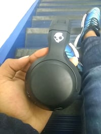 Skullcandy headphones Bluetooth