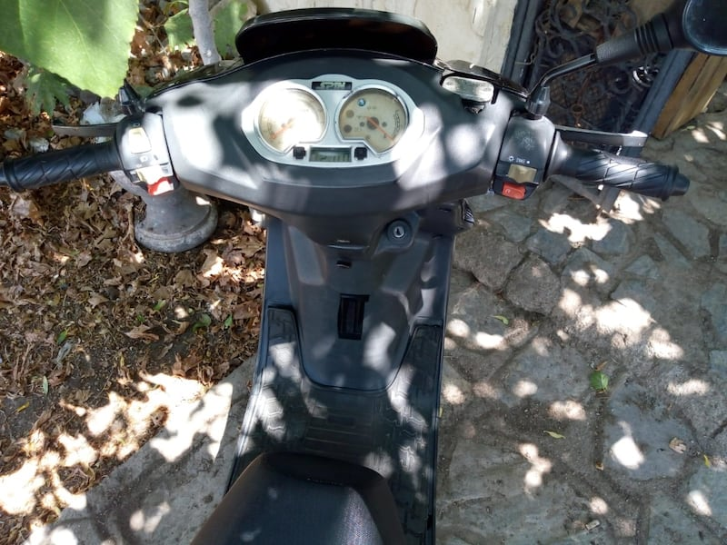 2010 Explorer Spin GE 50cc Scooter 6