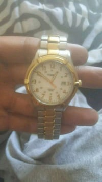 round gold-colored analog watch with link bracelet San Antonio, 78254