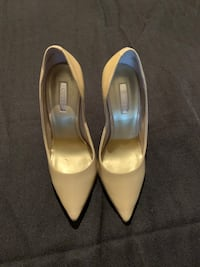 Nude Guess patent heels, size 5 Vaughan, L6A 4H7