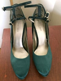 Nine west heels size 8  Vaughan, L4H 2L3