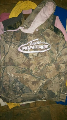 brown and green team Realtree pullover hoodie