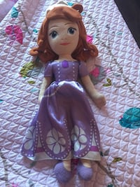 "28"" Huggable Sofia The First Doll Pincourt, J7W 0K1"