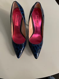 Betsey Johnson High Hills size 7.5 NEVER WORN Toronto, M4K 2A6