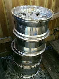 4x  wheels on 18 2003 Ford F350 Coquitlam