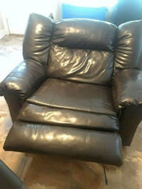 jumbo cuddler recliner  Metairie, 70006
