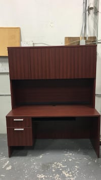 Straight Desk with Hutch-Excellent Condition! Mississauga