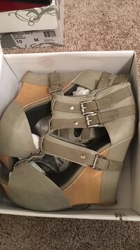 pair of brown leather open-toe wedge sandals Clarksville, 37042