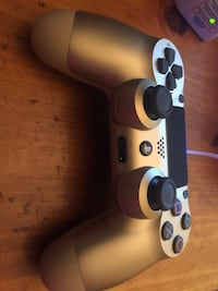 Brand new gold ps4 remote Prescott, 86305