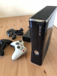 black Xbox 360 console with controller Surrey, V4N