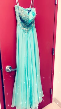 NEW NEVER WORN PROM DRESS AND HEELS BOTH SIZE 6  Westminster, 80021