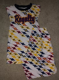 White, red, and yellow star pattern athletic shirt and shorts Manassas, 20112
