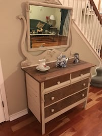 REDUCED!! Refinished antique dresser/ chest with mirror Austin, 78749