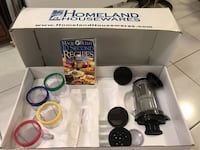 Magic bullet accessories and juice extractor kit. Richmond Hill, L4C 3B8