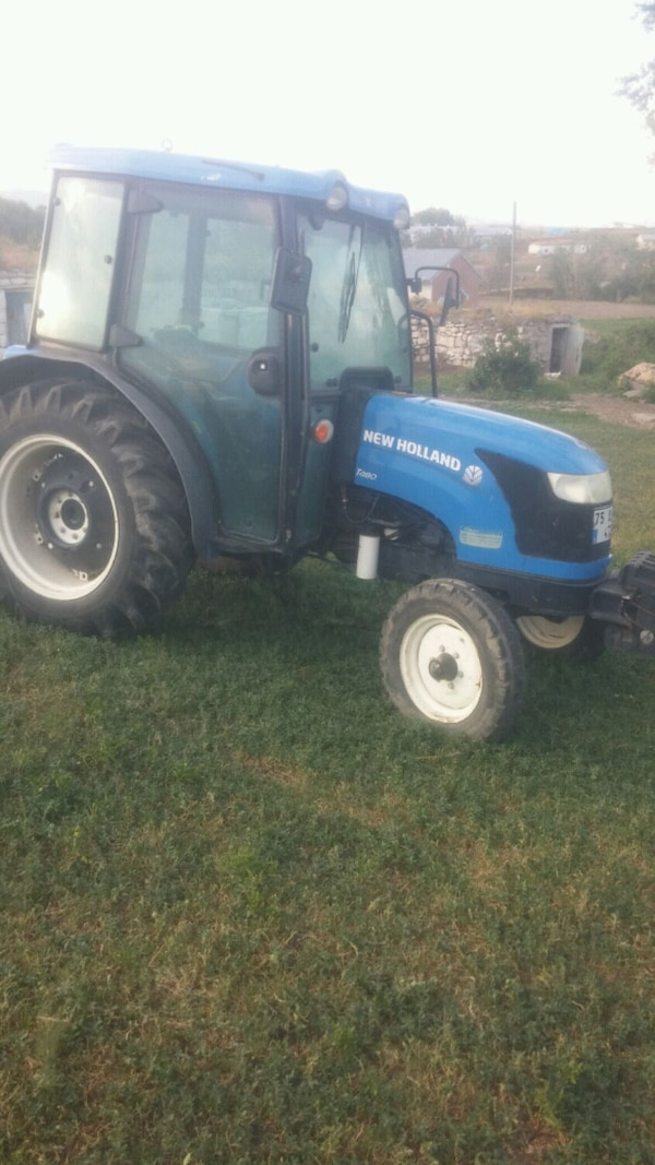 new holland.  T480 - 2011