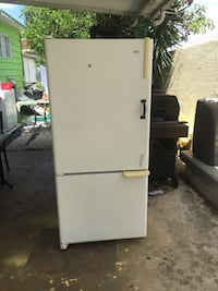 White top-mount refrigerator Lake Worth, 33462
