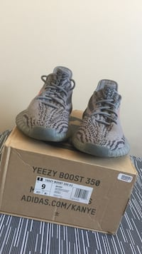 pair of gray Adidas Yeezy Boost 350 V2 with box Calgary, T2B 3E7