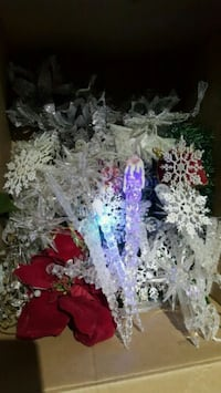 Christmas ornaments lot's of crystal ornaments mor Bakersfield, 93313