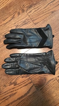 Womens black leather lined gloves size medium