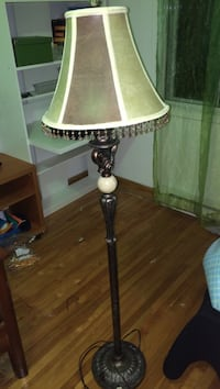 brown and white table lamp Montréal, H1G 1G6