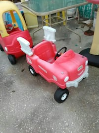 red and white ride-on toy car DeLand, 32720