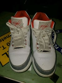 pair of white-and-red Air Jordan shoes Wichita, 67218