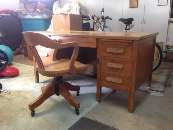 Stupendous Vintage Oak Desk And Chair Gmtry Best Dining Table And Chair Ideas Images Gmtryco