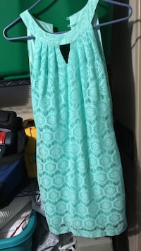 Women's teal sleeveless dress size small Blakesburg, 52536