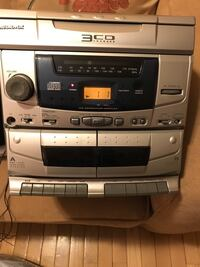 Audiovox 3 disc player excellent condition