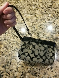 black and gray Coach wristlet Frederick, 21702