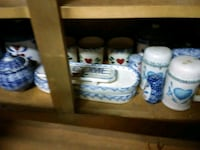white-and-blue ceramic mugs Youngstown, 32466