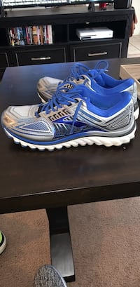 Men's brooks glycerin 13 running shoe size 10.5 Seymour, 37865