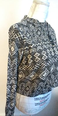 $10 - Cropped Tribal Print Sweater (NEW) Fixed Price