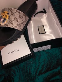 gucci slides  size 10 Houston, 77044